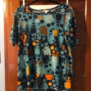 Lularoe Gigi Snow White shirt size large